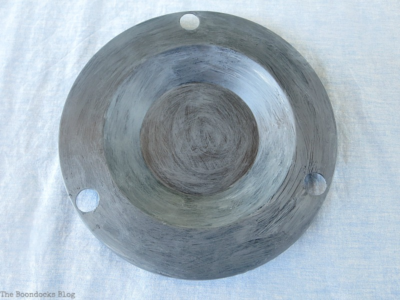 Painting the saucer grey, The Virsatile Hanging Saucer / www.theboondocksblog.com