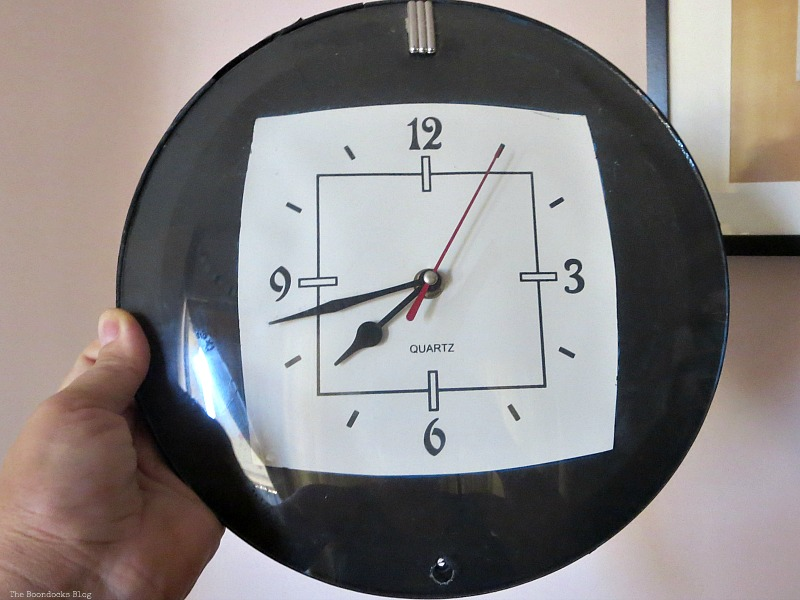 Clock Before, Five Minutes to a Pretty Clock www.theboondocksblog.com
