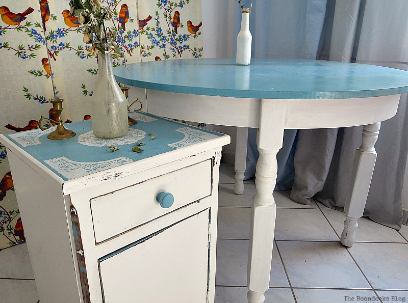 The doily top side table and the Greek beach table, The Doily Top Side Table www.theboondocksblog.com