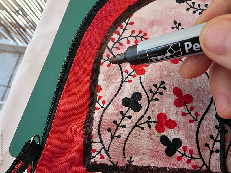 Creating a border with permanent marker, School Bag Makeover, Int'l Bloggers Club Challenge www.theboondocksblog.com