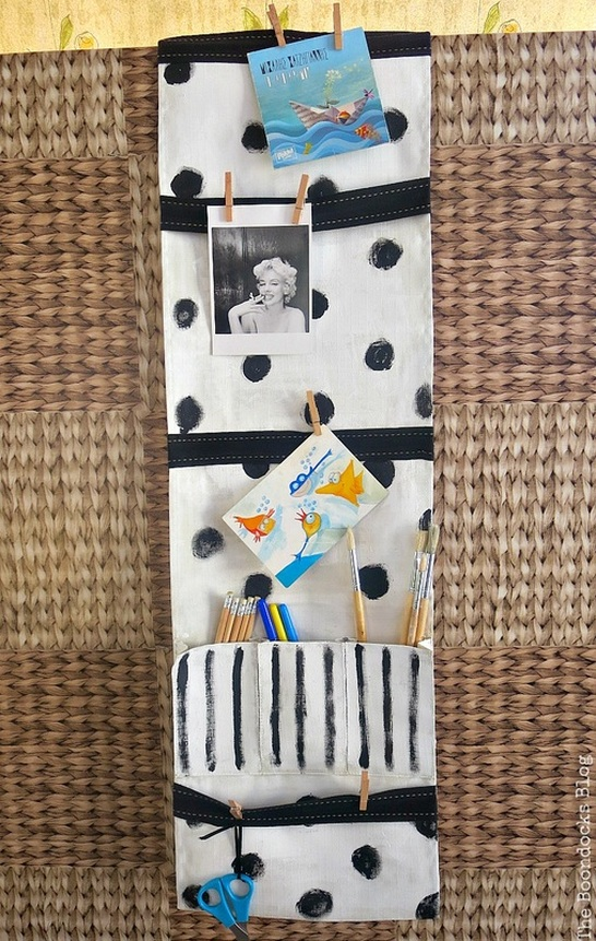 The hanging organizer complete, How to make a back to school hanging organizer, Back to School blog Hop www.theboondocksblog.com