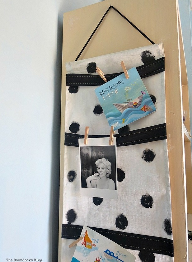 A cord for hanging, How to make a back to school hanging organizer, Back to School blog Hop www.theboondocksblog.com