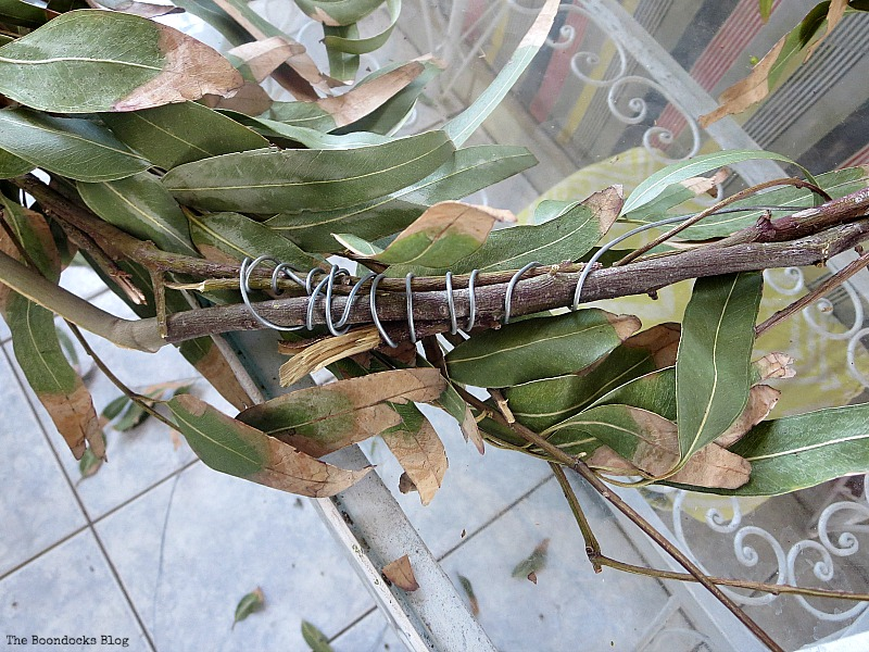 Wrapping wire around the branches, Easy Fall Wreath Int'l Bloggers Club www.theboondocksblog.com