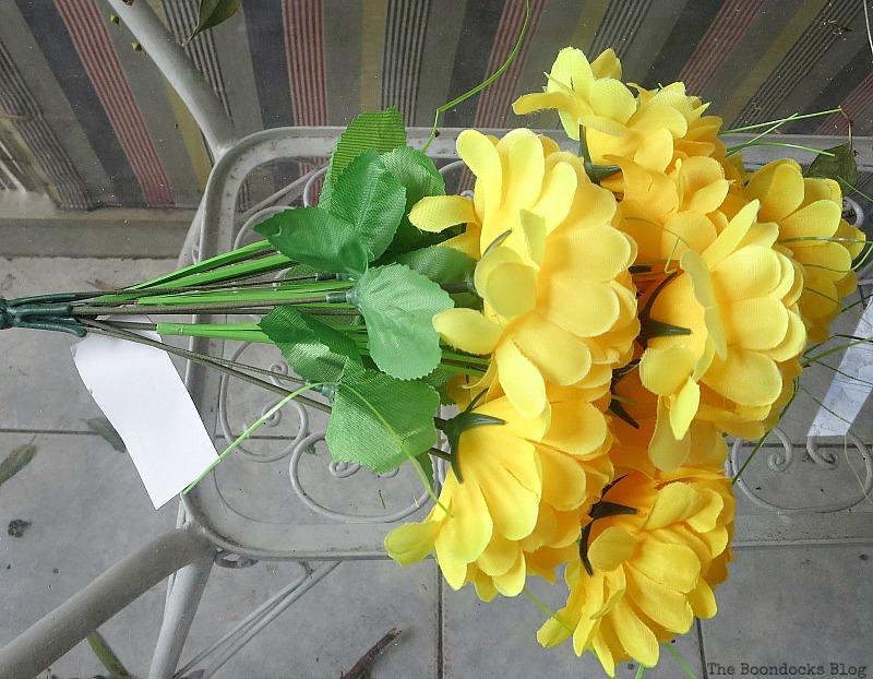 Fake yellow flowers, Easy Fall Wreath Int'l Bloggers Club www.theboondocksblog.com