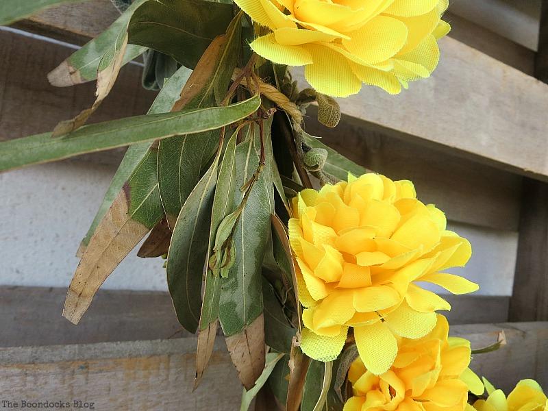 Thread the stems thru the twine, Easy Fall Wreath Int'l Bloggers Club www.theboondocksblog.com