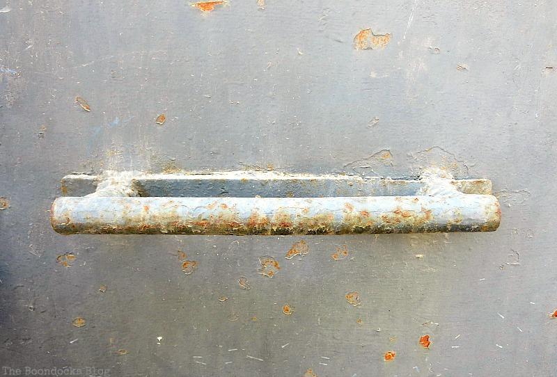 rusty handle, Old Stone Buildings on the Waterfront www.theboondocksblog.com