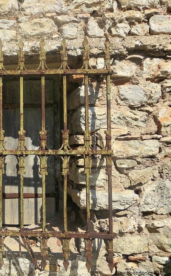 rust on window bars, Old Stone Buildings on the Waterfront www.theboondocksblog.com