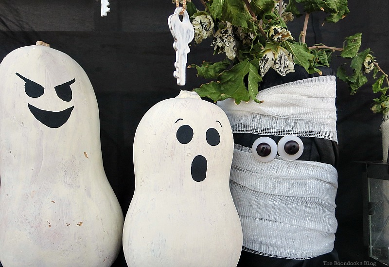 Painted gourds with white bodies and black faces, Fun and Easy Halloween Vignette - Int'l Bloggers Club Challenge www.theboondocksblog.com