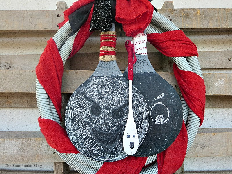Hanging wreath, How to make a fun tube Halloween Wreath www.theboondocksblog.com