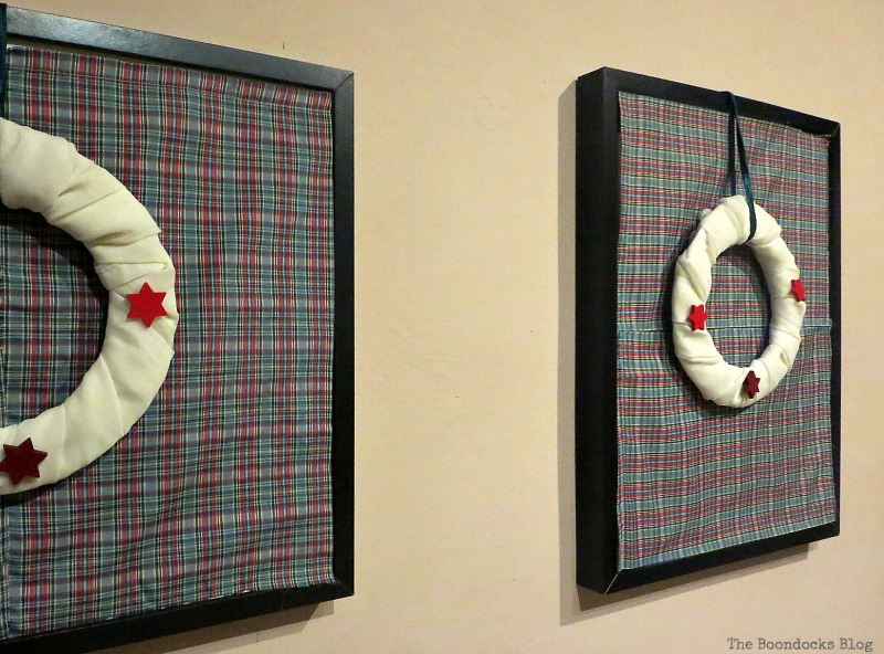 Hanging on the wall, Christmas Picture Frames with Wreaths the Lazy Way www.theboondocksblog.com