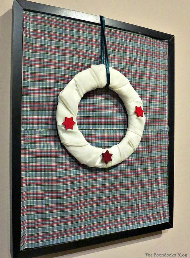 Covering the glass with fabric, Christmas Picture Frames with Wreaths the Lazy Way www.theboondocksblog.com