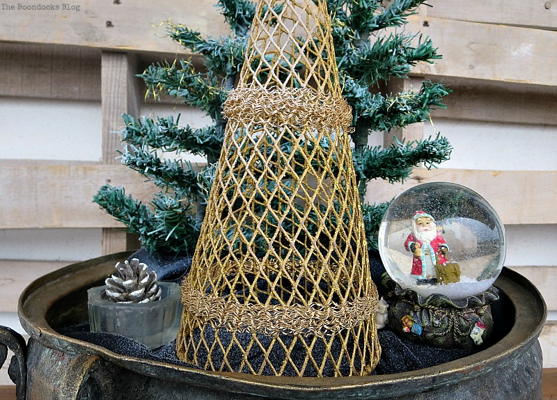 A gold tree, A repurposed Antique Cauldron for Christmas theboondocksblog