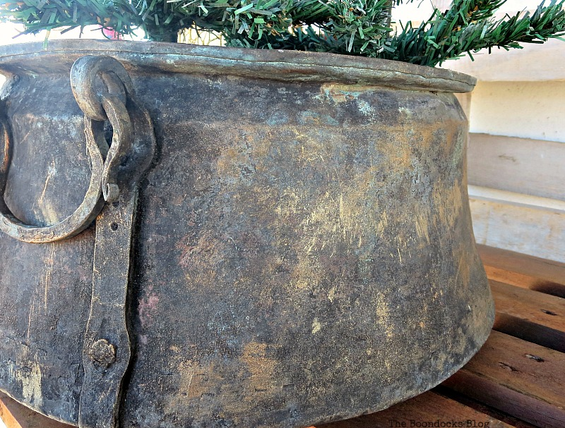 Shimmering cauldron, A repurposed Antique Cauldron for Christmas theboondocksblog