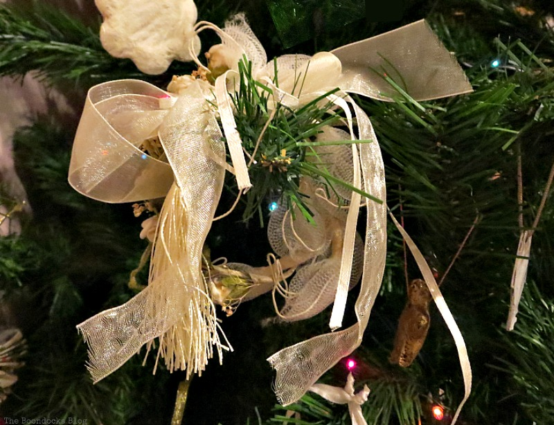 Wedding favors with ribbons, How to Upcycle your Christmas Tree on the cheap, www.theboondocksblog.com