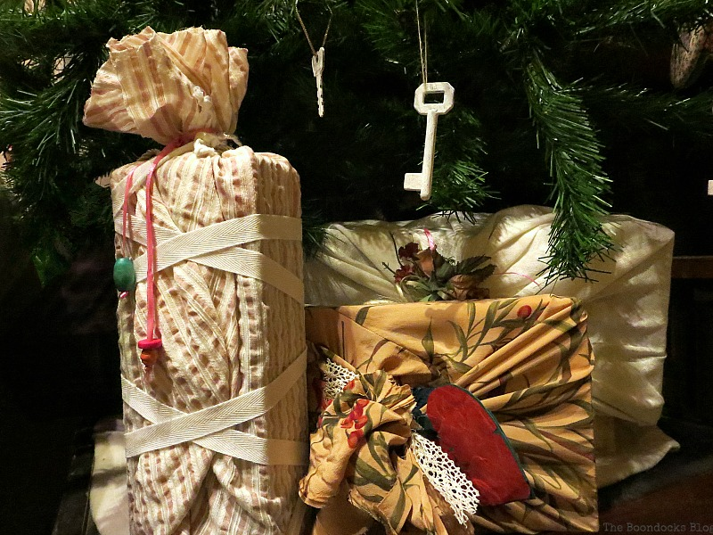 How to Repurpose vintage fabric for gift wrapping, the boondocksblog.com