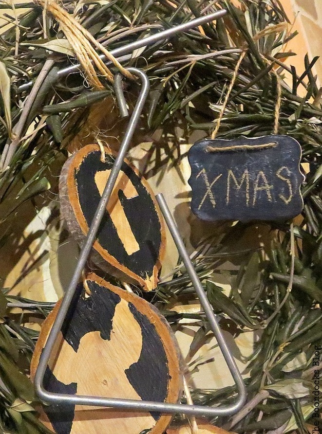 A triangle for Carols, Christmas Traditions in Greece, Int'l Bloggers Club www.theboondocksblog.com