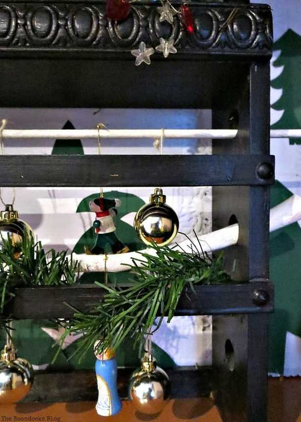using a spice rack to display ornaments, A Repurposed Spice Rack vignette for Christmas, www.theboondocksblog.com