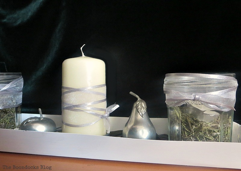 Green Christmas centerpiece with Chicken feeder, How to Repurpose your Decor for a Unique Christmas Look www.theboondocksblog.com