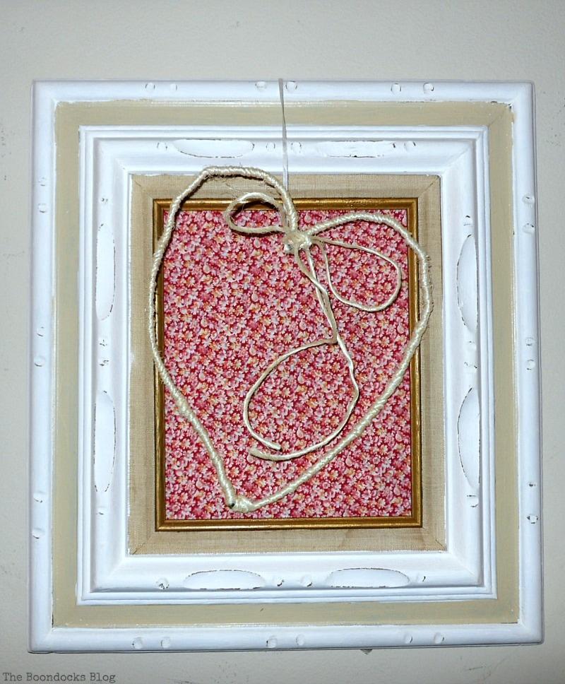 Valentine's Day Framed Heart Craft - Int'l Bloggers Club www.theboondocksblog.com