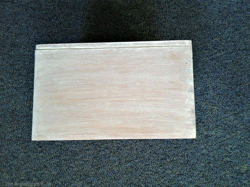 white washed wooden box, Valentine's Day Wooden Gift Box www.theboondocksblog.com