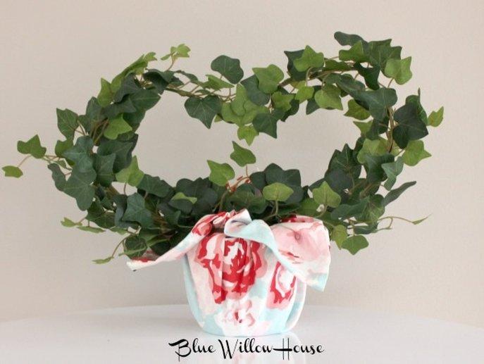 Ikea faux ivy heart Valentine's Day Blog Hop Features www.theboondocksblog.com