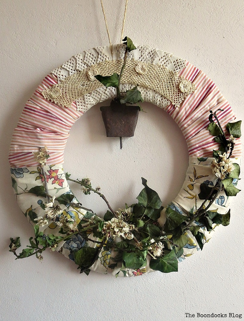 Spring wreath, Two Year Blogoversary and my Favorite Posts www.theboondocksblog.com