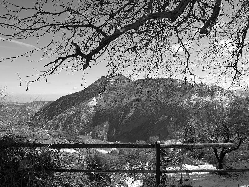 spectacular view below, Snowy Mountains of Greece, www.theboondocksblog.com