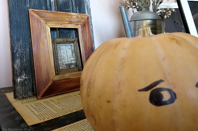 miniature painting of Pumpkin man, How to Make Simple Canvas Wall Art with Keys, www.theboondocksblog.com