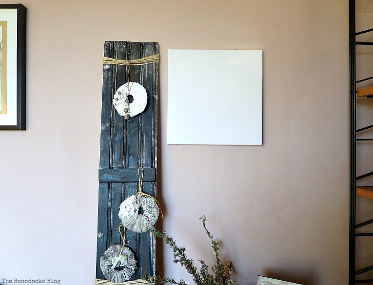 Wall with blank canvas, How to Make Simple Canvas Wall Art with Keys, www.theboondocksblog.com