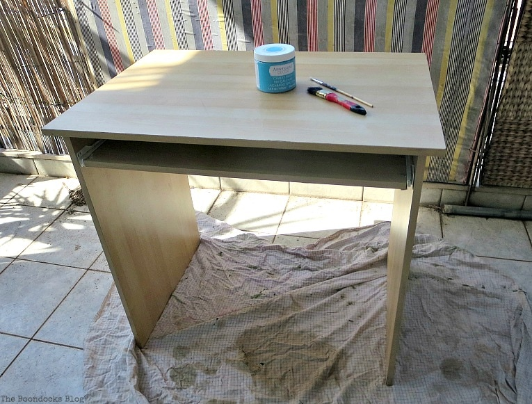 Before painting, Fabulous Ikea Desk Makeover with Chalky Finish Paint, thebookdocksblog.com