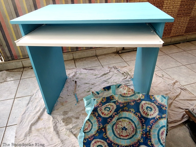 the inspirational shopping bag, Fabulous Ikea Desk Makeover with Chalky Finish Paint, thebookdocksblog.com