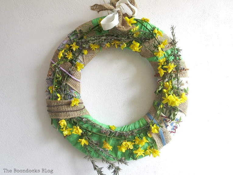 completed wreath, How to Make a Green Wreath for Spring www.theboondocksblog.com