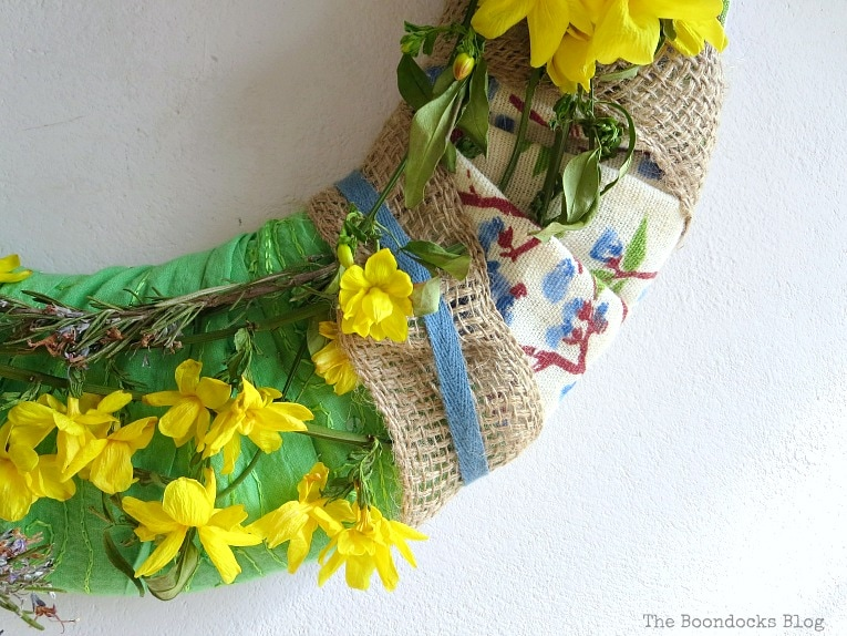 blue ribbon, How to Make a Green Wreath for Spring www.theboondocksblog.com
