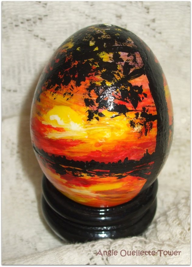 painted egg, Eight Ideas for the Love of Celebrating Spring www.theboondocksblog.com
