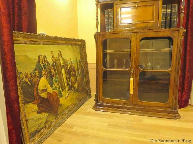furniture and painting, An Old Greek Mansion in the Center of Town, www.theboondocksblog.com