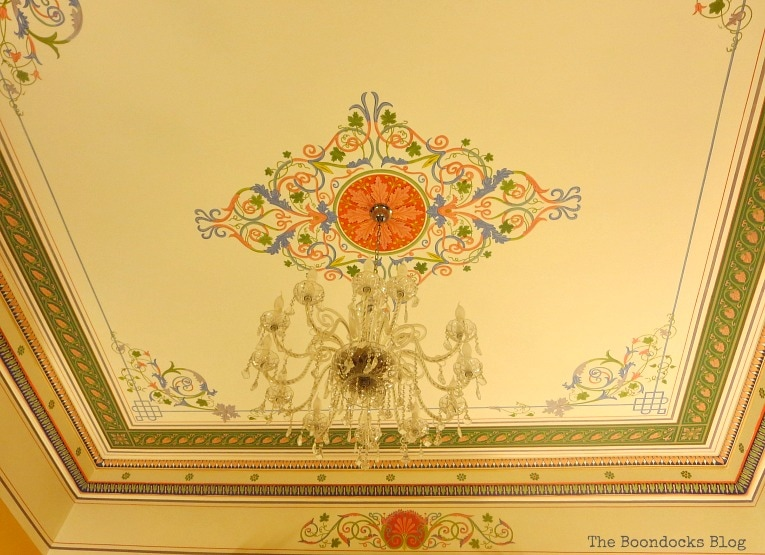 Pompeian ceiling fresco, An Old Greek Mansion in the Center of Town, www.theboondocksblog.com