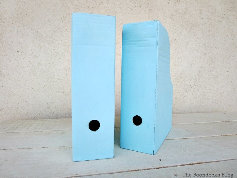 painted magazine files, Pretty and Practical Bookcases the Easy Way www.theboondocksblog.com