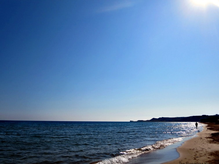 mid-day sun, Kefalonia in Blue - Enjoying the beaches of the Greek Island, www.theboondocksblog.com
