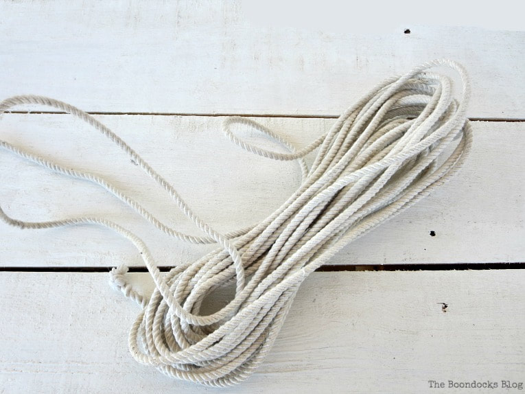 white rope, A Nautical Sign that is So Close to Amazing www.theboondocksblog.com
