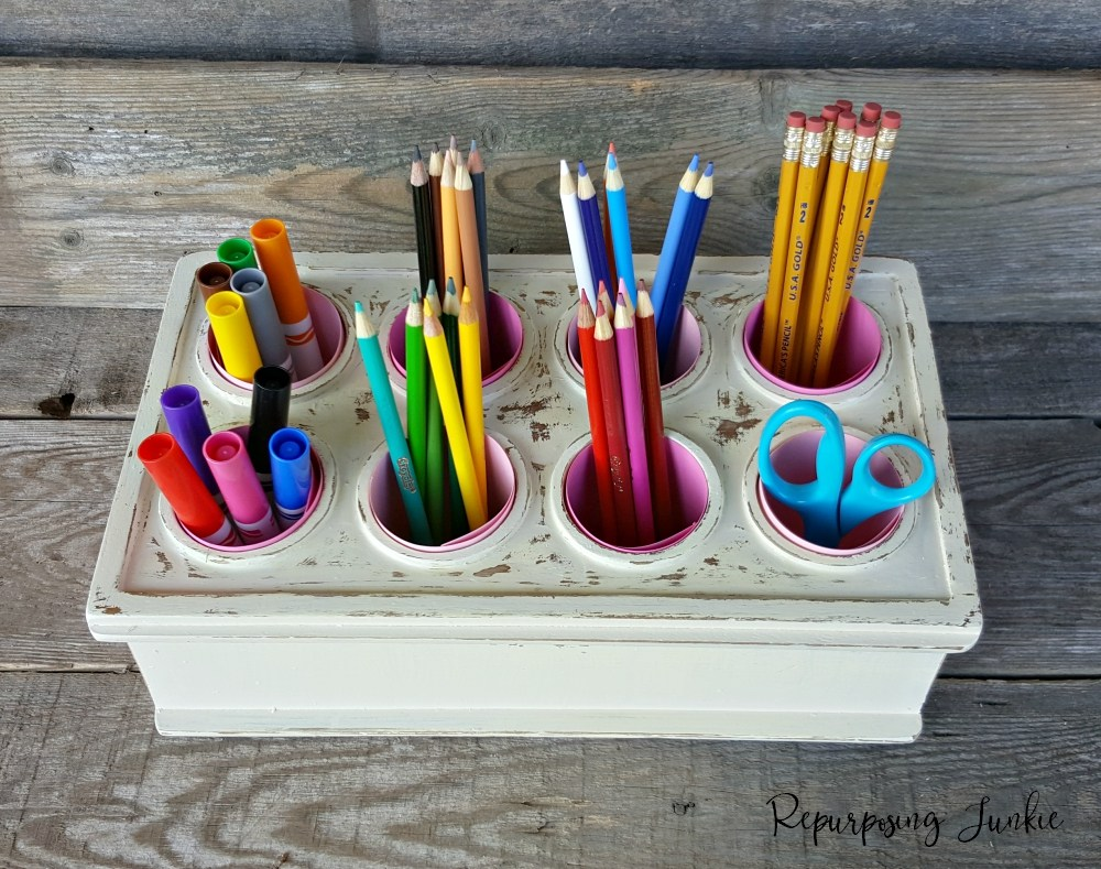 pencil organizer from Repurposing Junkie, 16 Fun and Easy Back to School DIY Gift Ideas www.theboondocksblog.com