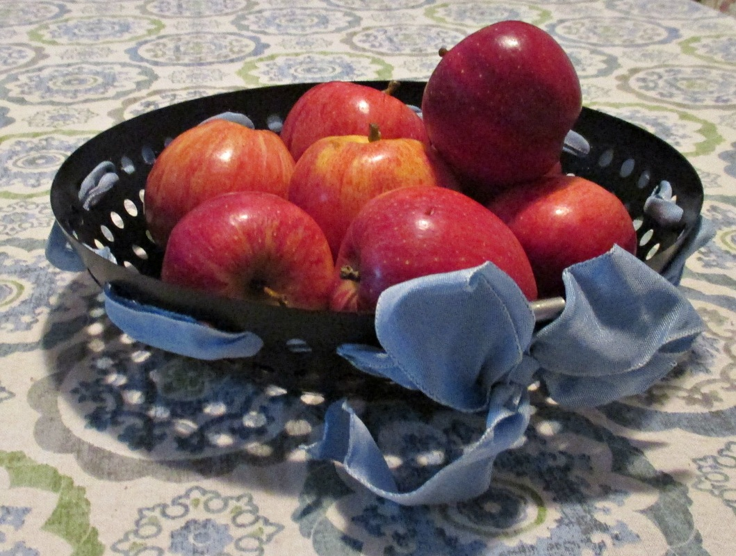 apples in a bowl, My Obligatory Post in Praise of Autumn www.theboondocksblog.com