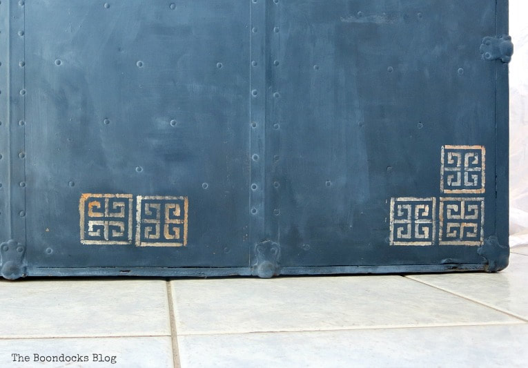 stencils on bottom of trunk, How to Avoid Mistakes when Up-cycling a Trunk www.theboondocksblog.com