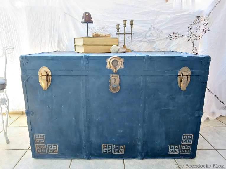 the finished trunk, How to Avoid Mistakes when Up-cycling a Trunk www.theboondocksblog.com