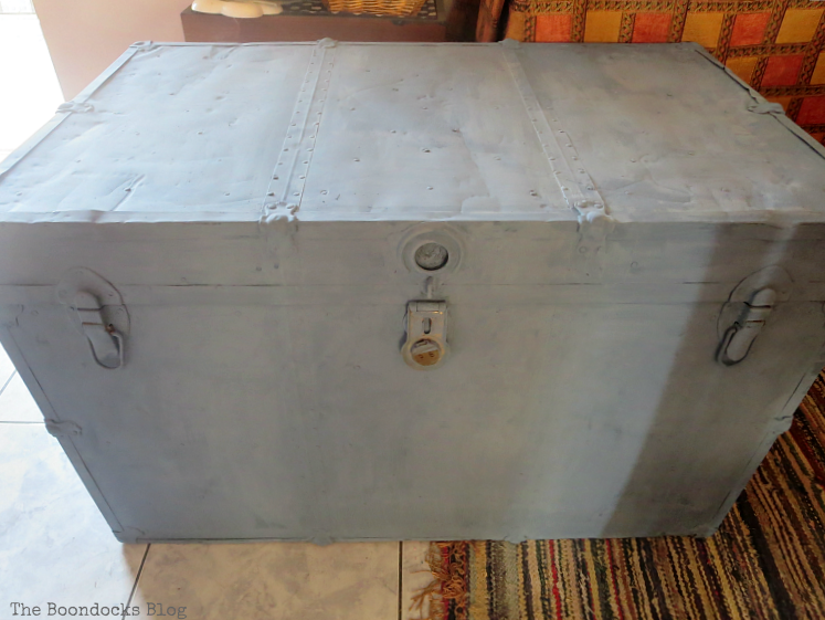 trunk painted with milk paint, How to Avoid Mistakes when Up-cycling a Trunk www.theboondocksblog.com