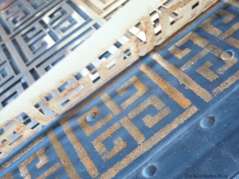 detail of painted Greek key, How to Avoid Mistakes when Up-cycling a Trunk www.theboondocksblog.com
