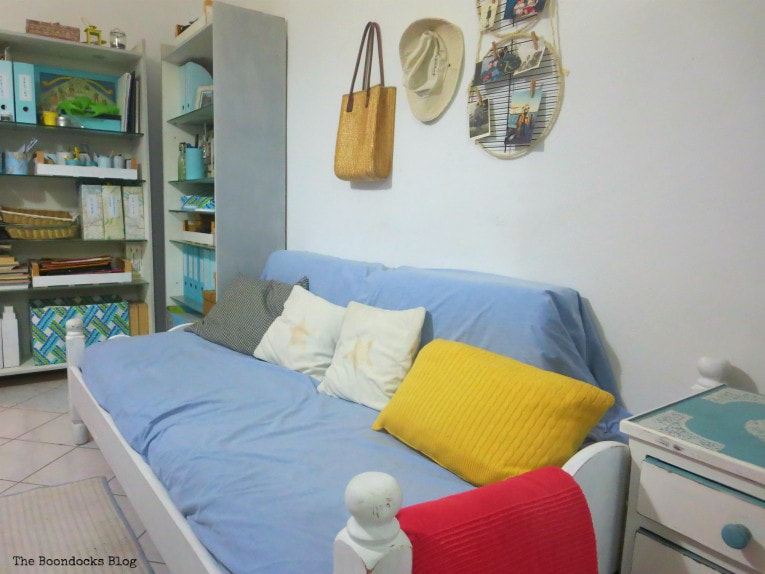 the painted daybed in the small apartment, How to Get Rid of the Blues with a Blue Daybed www.theboondocksblog.com