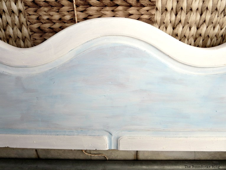 painting the raised area blue, How to Get Rid of the Blues with a Blue Daybed www.theboondocksblog.com