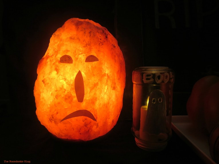 Lit Lava Pumpkin, How to Make an Easy and Thrifty Halloween Vignette www.theboondocksblog.com