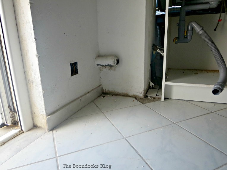 Pipes where they don't belong, How to Install a New Kitchen with the Help of Murphy's Law, www.theboondocksblog.com