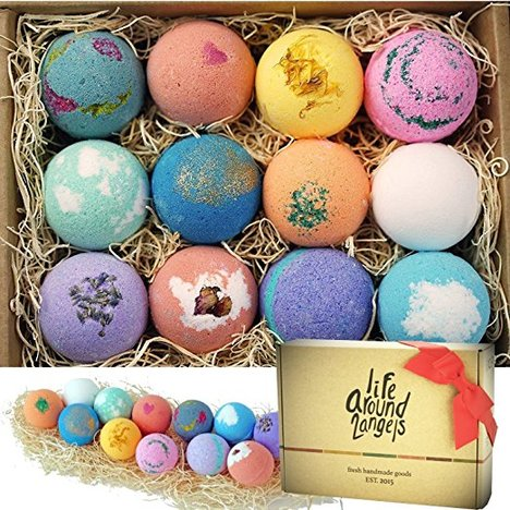 Bath Bombs, A Practical Gift Guide for the DIYer www.theboondocksblog.com